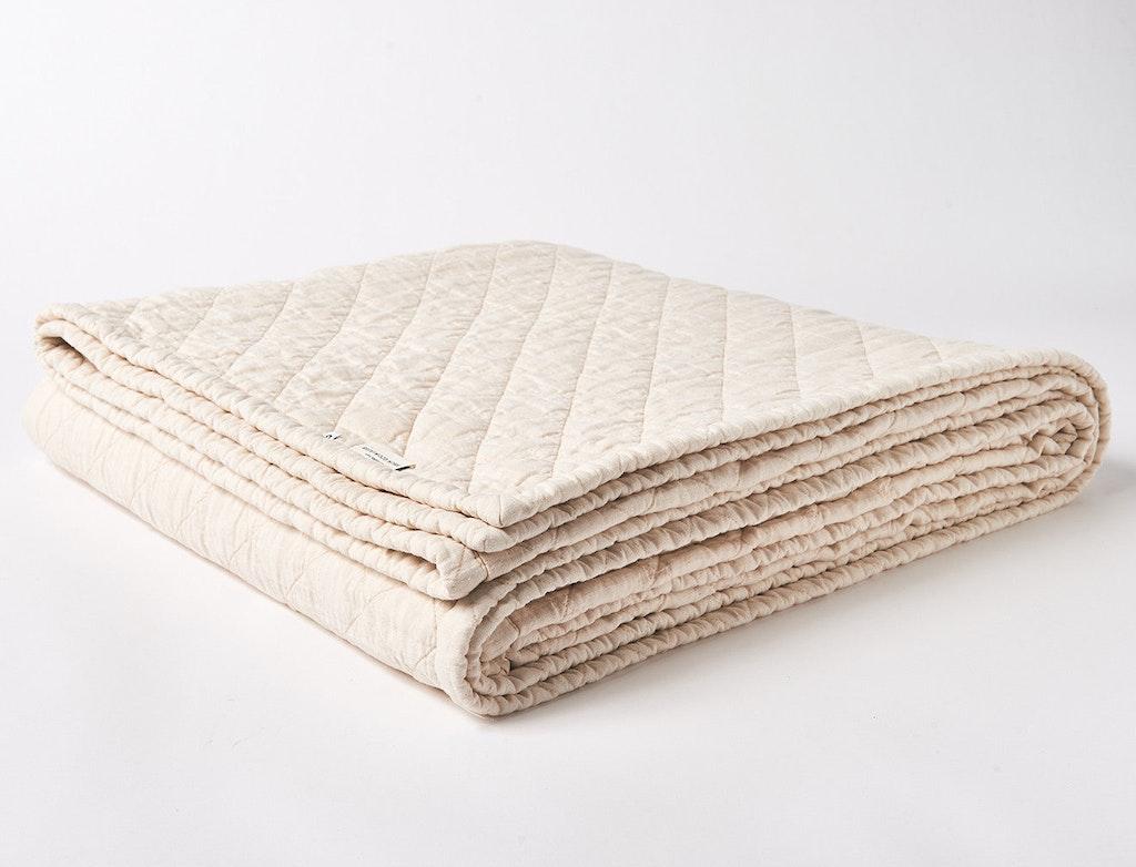 Beachwood Linen Quilt View 1